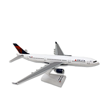 DELTA  A330-300 1/200 SCALE MODEL '07 Thumbnail